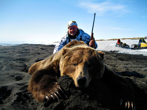 russian brown bear hunt image